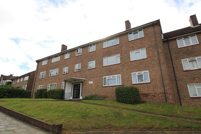 Thumbnail Flat for sale in Cat Hill, East Barnet, Barnet
