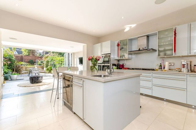 Thumbnail Property to rent in The Knoll, Beckenham