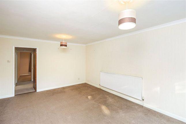 Picture No. 11 of Heath Avenue, Littleover, Derby DE23