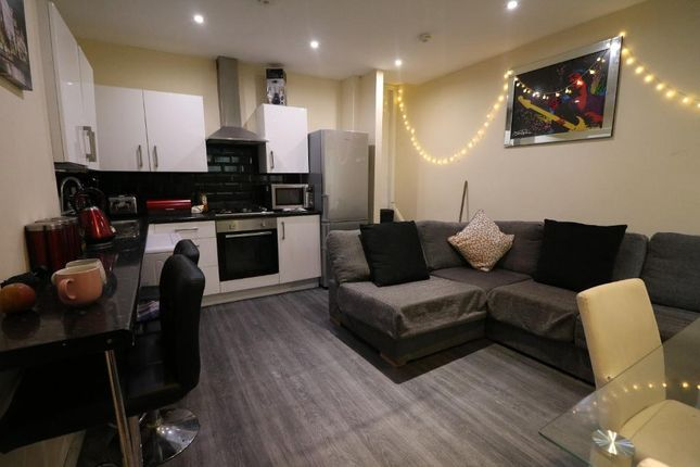 Thumbnail Shared accommodation to rent in Smithdown Road, Wavertree, Liverpool