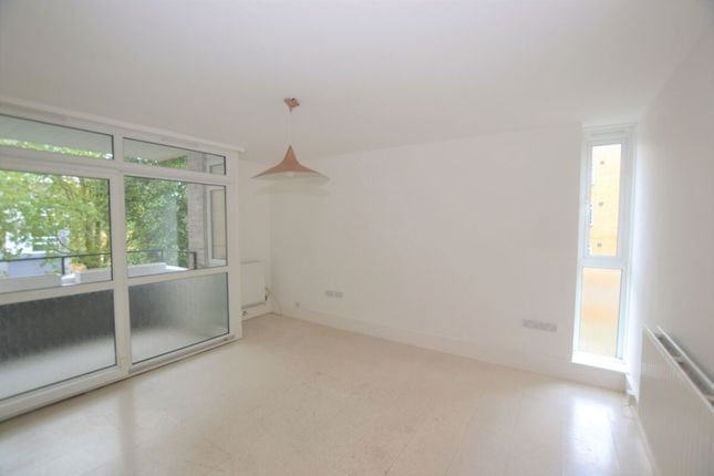 Thumbnail Flat to rent in Baylis Road, London