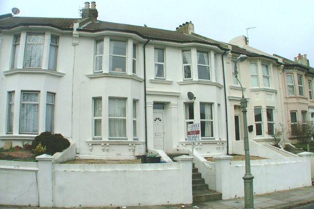 Thumbnail Flat to rent in Princes Crescent, Brighton