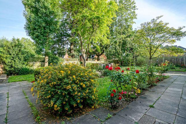 Communal Gardens of 193-195 Willesden Lane, Willesden Green / Kilburn NW6