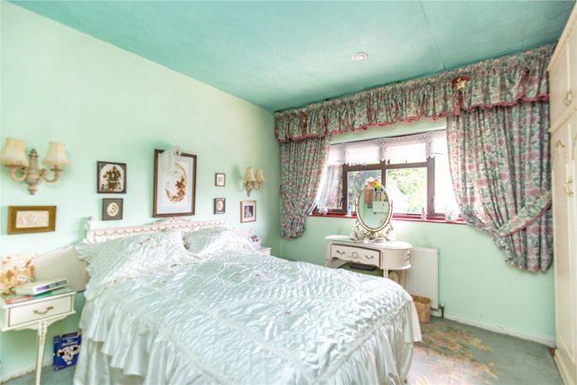Picture No. 03 of Homestead Way, New Addington, Croydon, Surrey CR0