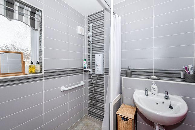 Bathroom of Rusland Road, Liverpool, Merseyside L32