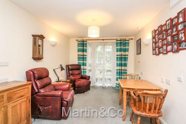 Thumbnail Flat for sale in Beddington Gardens, Wallington