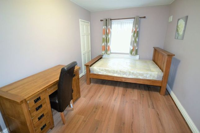 Thumbnail Room to rent in Eccles Old Road, Salford