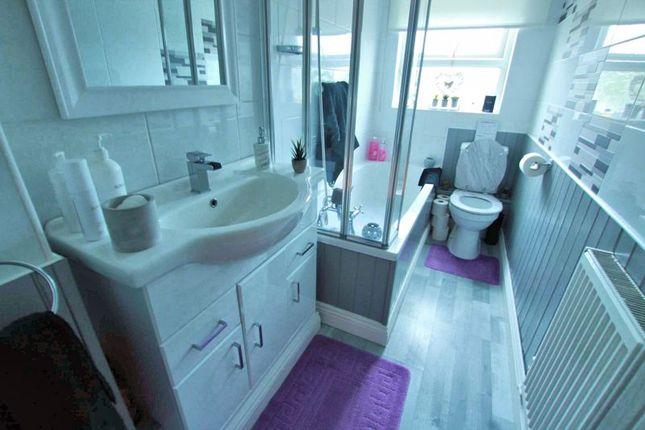 Bathroom of Canna Park Drive, Highampton, Beaworthy EX21