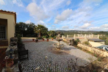 Image 1 4 Bedroom Villa - Central Algarve, Santa Barbara De Nexe (Jv10124)