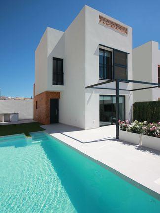 Thumbnail Villa for sale in Benijofar, Benijófar, Alicante, Valencia, Spain