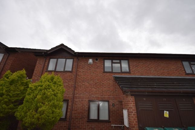 2 bed flat to rent in Caia Gardens, Benjamin Road LL13