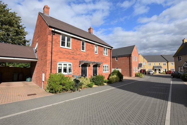 Semi-detached house in  Sycamore Way  Didcot  Oxfordshire O Oxford