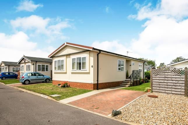 Thumbnail Bungalow for sale in Three Star Park, Bedford Road, Henlow, Bedfordshire