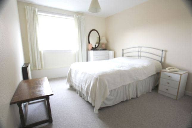 Thumbnail Flat for sale in Avondale Drive, Hayes