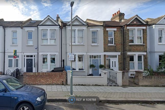 3 bed terraced house to rent in Lydden Grove, London SW18