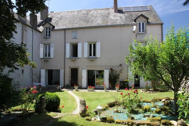 Thumbnail Property for sale in Chatellerault, Poitou-Charentes, France