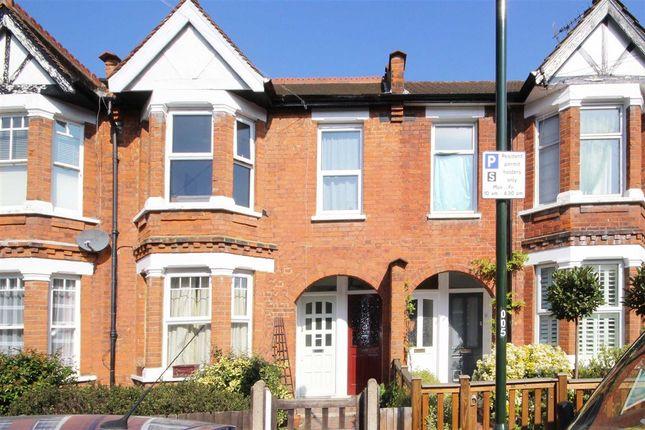 2 bed flat to rent in Godstone Road, St Margarets, Twickenham