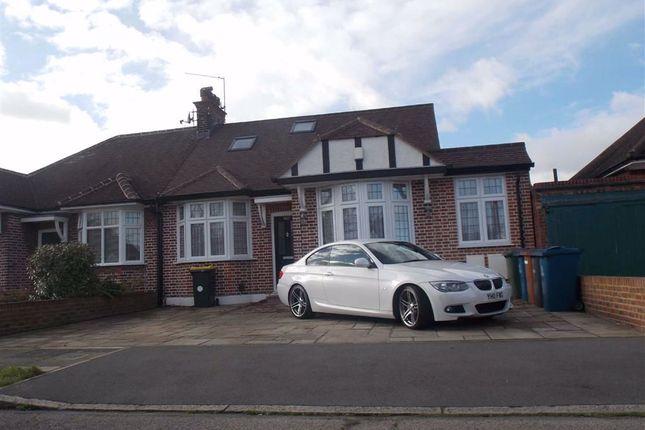 Room to rent in Fernbrook Drive, Harrow