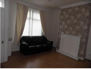 Thumbnail Terraced house to rent in Stanley Road, Oldham