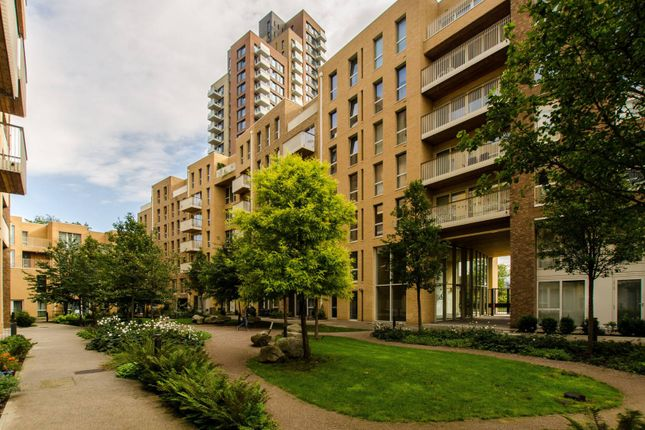 3 bed flat to rent in Oxley Square, Tower Hamlets