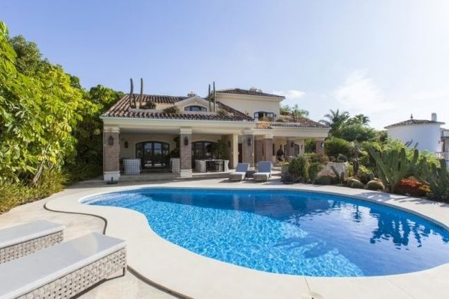 Villa for sale in Las Chapas, Malaga, Spain
