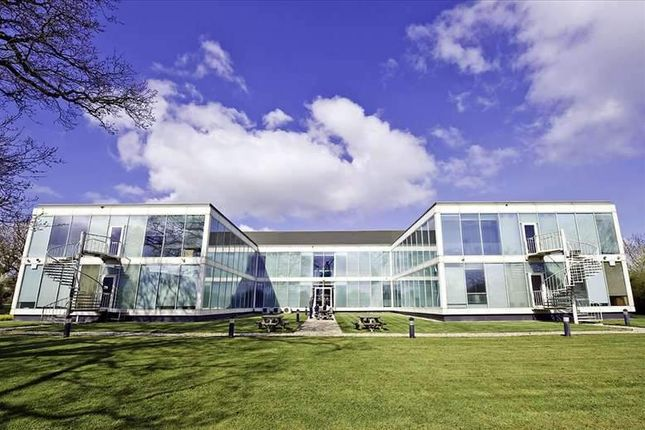 Thumbnail Office to let in Windmill Hill Business Park, Swindon