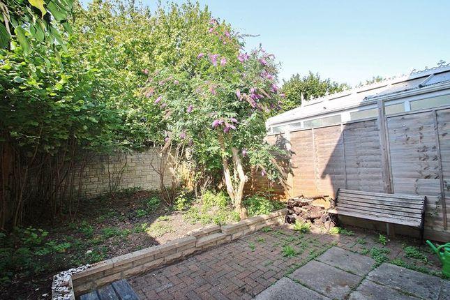 Garden of Painswick Close, Deer Park, Witney OX28