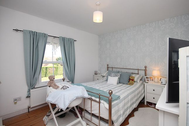 2 bed terraced house for sale in Bedford Road, Lower Stondon SG16