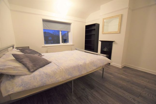 Thumbnail Room to rent in Moorland Avenue, Lincoln