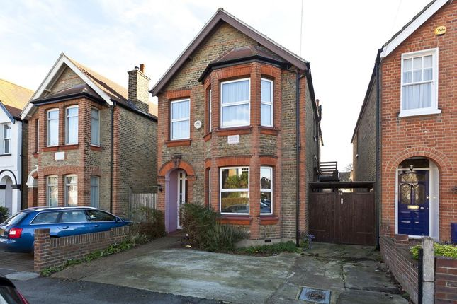 4 bed detached house to rent in Broomfield Road, Surbiton KT5