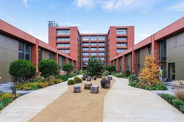 Thumbnail Town house for sale in Tapestry Apartments 1 Canal Reach, London