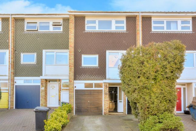 Thumbnail Property to rent in Shakespeare Road, Harpenden