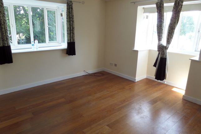 Thumbnail Flat to rent in Chalkstone Close, Welling, Kent