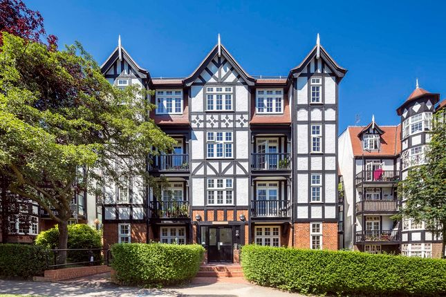 Thumbnail Flat for sale in Oakeshott Ave, Highgate, London