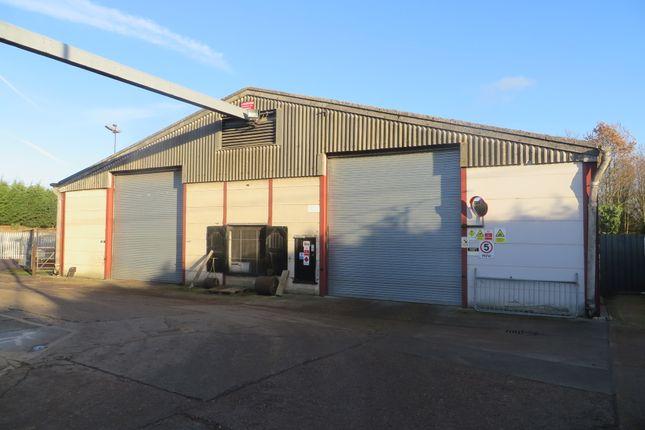 Thumbnail Warehouse to let in Maldon Road, Sandon, Chelmsford