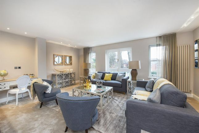 Thumbnail Flat to rent in Lyndhurst Road, Hampstead