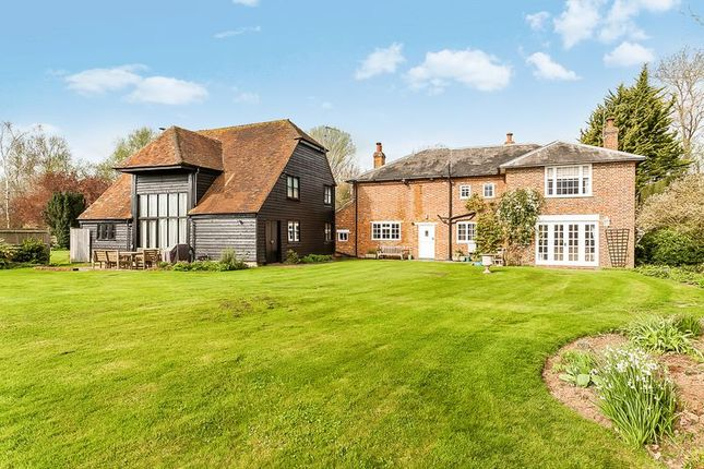 Thumbnail Detached house for sale in Gravelly Ways, Laddingford, Maidstone