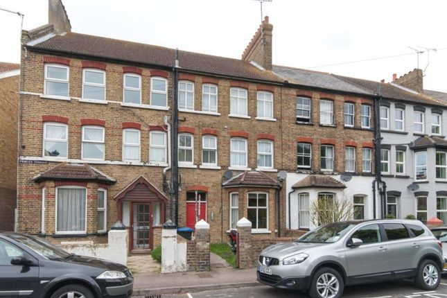 Thumbnail Flat to rent in Queens Road, Westgate-On-Sea