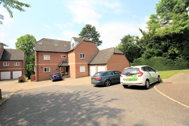 2 bed flat to rent in The Waterside, Norwich NR6