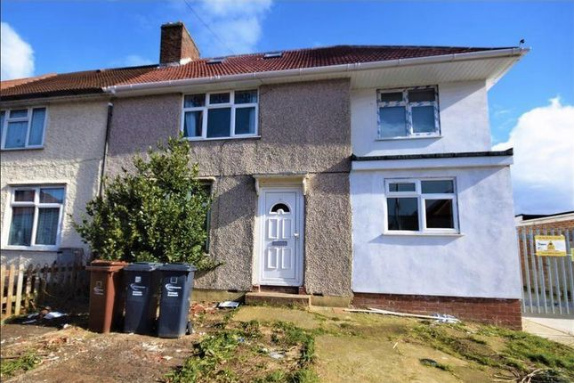 Room to rent in Hunters Hall Road, Dagenham