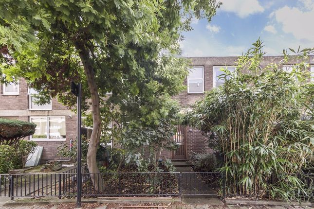 Thumbnail Property to rent in Cottage Grove, London