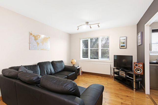 1 bed flat to rent in Alexandra Road, London SW19