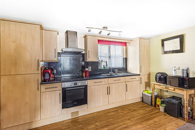 Thumbnail Flat for sale in Chalford, Stroud