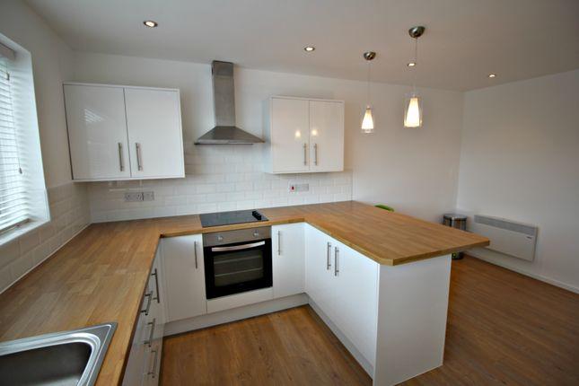 Thumbnail Flat to rent in Vernon Road, Bury