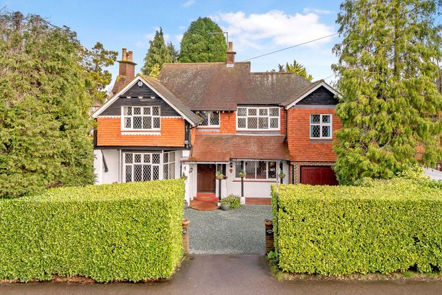 Thumbnail Detached house for sale in Balcombe Road, Horley, Surrey