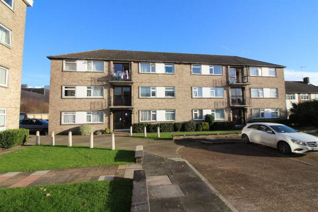 Thumbnail Flat for sale in Bridle Close, Enfield
