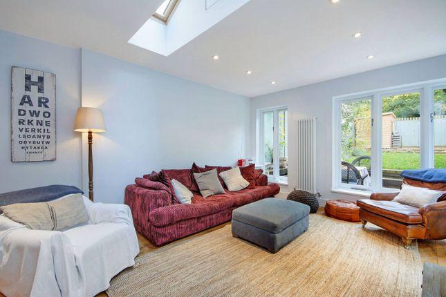 Thumbnail Flat to rent in Uxbridge Road, Shepherd's Bush