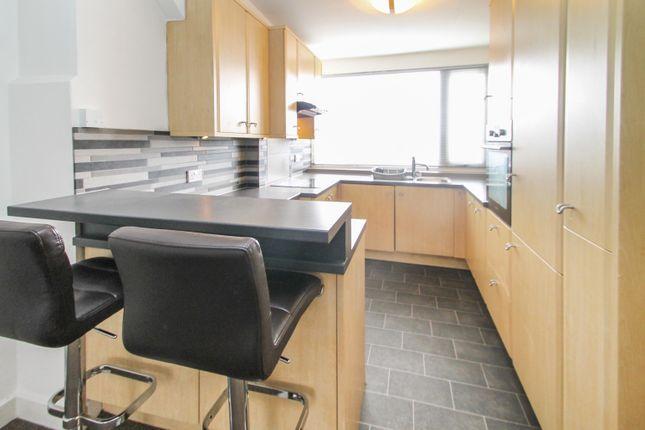 Thumbnail Flat to rent in Harehills Avenue, Chapel Allerton, Leeds