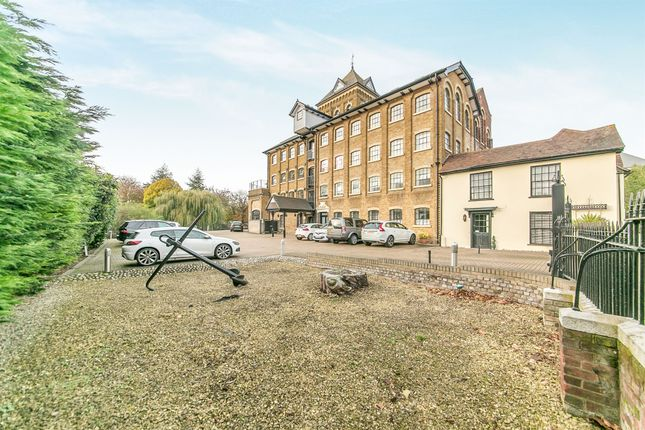 Thumbnail Flat for sale in East Street, Colchester
