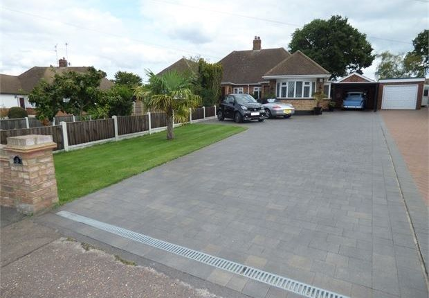Thumbnail Semi-detached bungalow for sale in Thorndon Park Crescent, Leigh On Sea